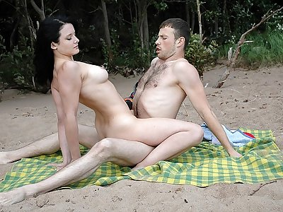 Beach Fuck-a-thon for Sizzling Female with Piercing