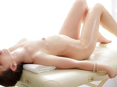 Splendid brown-haired lassie luvs a rubdown penetrate act